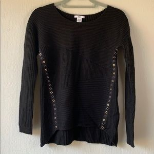Button Hole Sweater